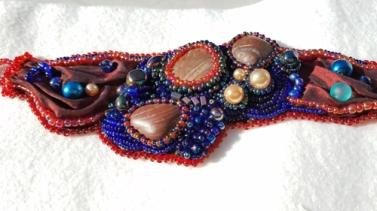 Freeform stone braceletbeaded embroidery(Joelle Burnette)