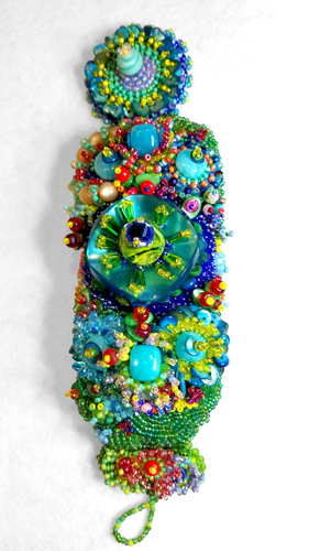 JEWELRY_BRACELET_JoelleBurnette_beaded-embroidery-2