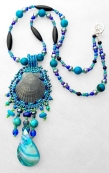 Single-shell ocean theme triple-shell necklacebeaded embroidery(Joelle Burnette)